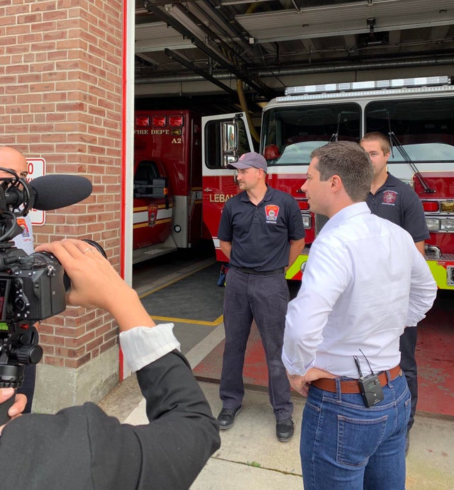 Between stump speeches, Pete stops to say hi at a fire department in Lebanon NH on 8/24/2019.  Posted on reddit