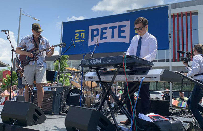 "In Iowa at the ""Pete Picnic"", Jul 4, 2019"