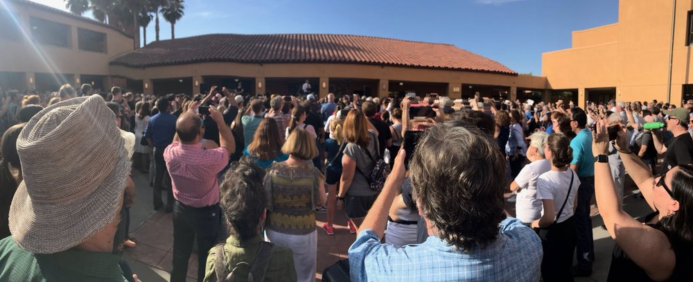 Applause as Pete comes on - posted by SanJose4Pete  (LINK)
